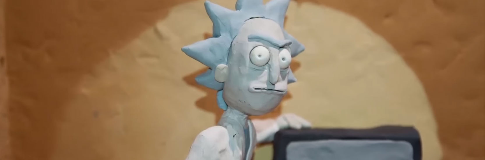 "Avant la saison 3, Lee Hardcastle s'amuse avec ""Rick et Morty"" !"